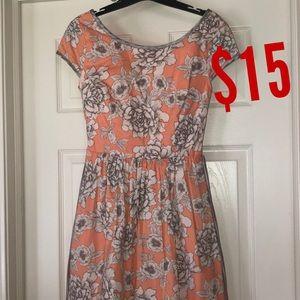 Dresses & Skirts - Floral cap sleeved dress